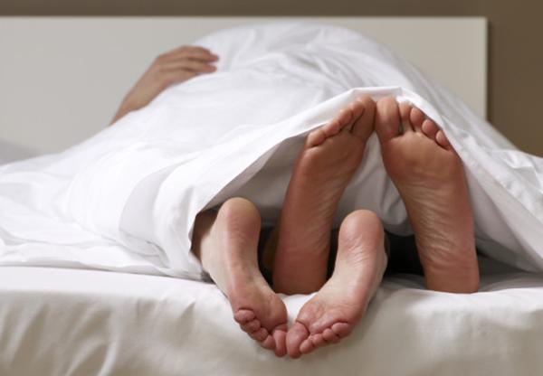Quan hệ tình dục là con đường lây nhiễm virus HPV chủ yếu