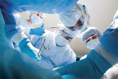 Phẫu thuật là một trong những phương pháo điều trị chính cho bệnh nhân ung thư tuyến tiền liệt