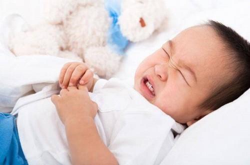 Viêm đường ruột ở trẻ cần điều trị sớm để tránh ảnh hưởng đến sự phát triển của trẻ
