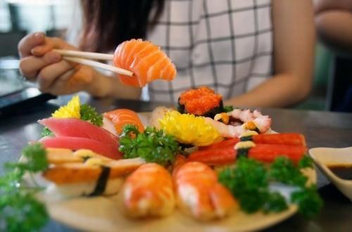 Để ăn hải sản hiệu quả, cần chú ý cách ăn và cách sơ chế đảm bảo vệ sinh