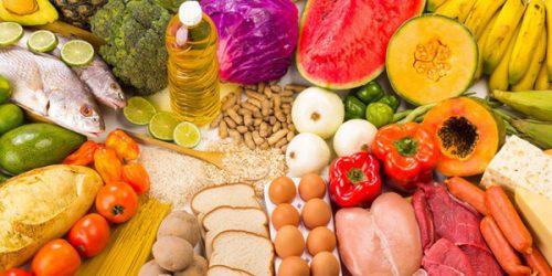 Bệnh nhân ung thư dạ dày không nên kiêng khem tiêu cực mà cần phải ăn uống đủ chất, đa dạng các loại thực phẩm trong chế độ ăn uống hàng ngày