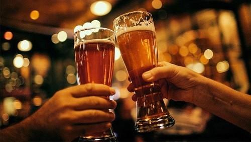Nữ giới cần tránh sử dụng rượu bia
