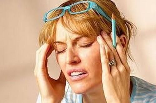 Đau đầu vận mạch cần được điều trị đúng cách tránh biến chứng nguy hiểm ảnh hưởng đến sức khỏe.