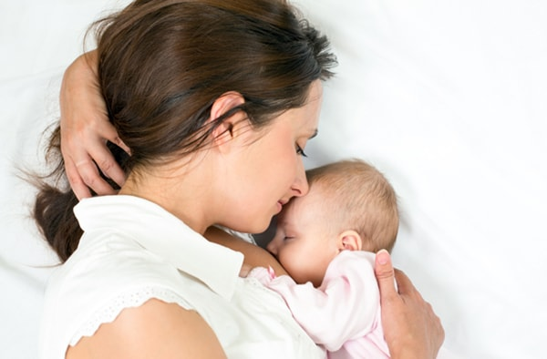 nữ giới sinh ba con trở lên có nguy cơ mắc ung thư cổ tử cung cao gấp khoảng 2 lần so với nữ giới khác