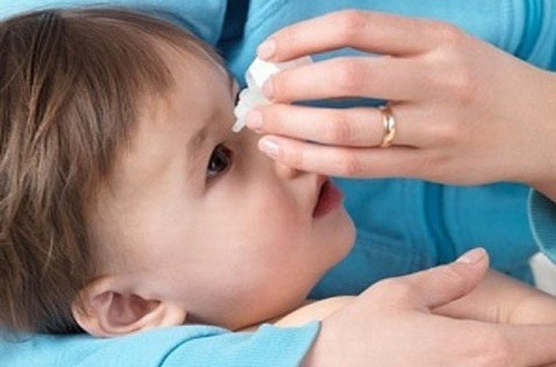 Người bệnh tắc tuyến lệ cần được thăm khám và chẩn đoán điều trị hiệu quả