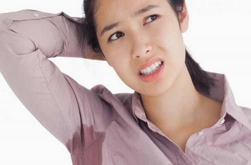 Mồ hôi trên cơ thể tiết ra thường có mùi chua, khó chịu