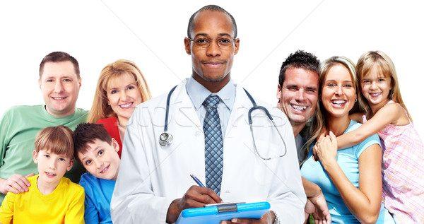 Bác sĩ gia đình khám tại nhà là mô hình chăm sóc sức khỏe ưu việt mà nhiều quốc gia y học phát triển đã áp dụng.
