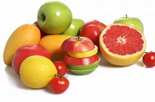 Thực phẩm chứa lượng vitamin C cao giúp phổi của bạn đưa oxi đến toàn bộ cơ thể một cách hiệu quả. Những thực phẩm chứa nhiều vitamin C và là lựa chọn phổ biến cho phổi là: kiwi, ớt chuông xanh và đỏ, các loại có tép như cam, chanh, bưởi, nước ép rau củ và cà chua, dâu, bông cải xanh, dứa, xoài và dưa hấu.
