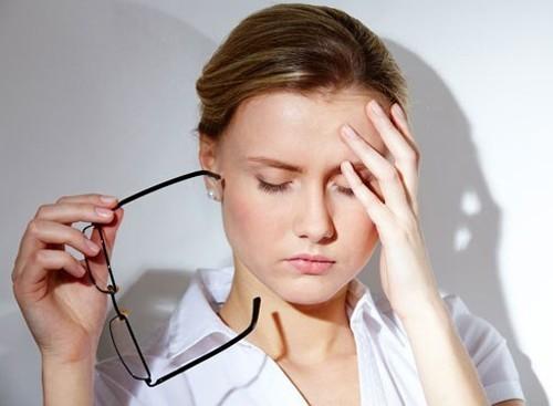 Đau đầu là một trong những biểu hiện ung thư vòm họng thường gặp, ngay cả ở giai đoạn sớm