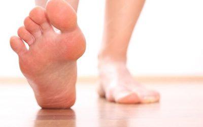 Đau gót chân có thể là dấu hiệu của bệnh gì?