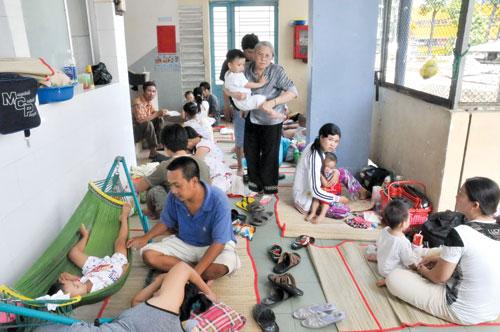 Với dịch vụ khám bệnh tại nhà Hà Nội, bệnh nhân và người nhà tránh được cảnh quá tải tại nhiều bệnh viện.