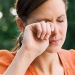 Sai lầm thường gặp gây tổn thương mắt
