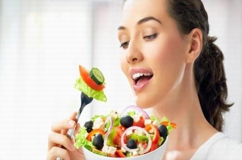 Điều chỉnh chế độ ăn uống ngừa nguy cơ tiền đái tháo đường tiến triển gây biến chứng nghiêm trọng