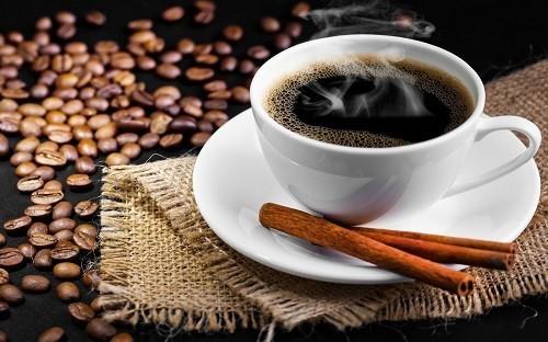 Một nghiên cứu cho biết, phụ nữ có uống cà phê đen mỗi ngày có thể giảm 25% nguy cơ ung thư tử cung