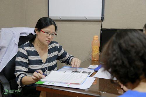 TS. BS See Hui Ti tư vấn điều trị ung thư tại Thu Cúc