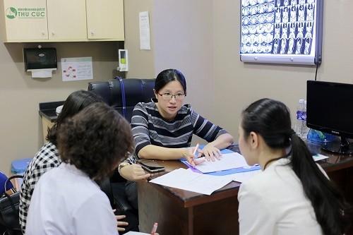 TS. BS See Hui Ti tư vấn khám và điều trị ung thư tại Bệnh viện Thu Cúc