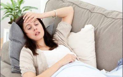Bị đau đầu khi mang thai mẹ bầu nên làm gì?