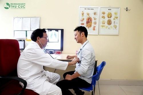 Người hay bị đau thắt ở tim nên đến bệnh viện càng sớm càng tốt để có thể được chẩn đoán chính xác và điều trị kịp thời.