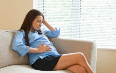 Mẹ bầu bị đau đầu kéo dài phải làm sao?