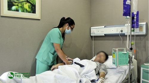 Bác sĩ sẽ cho làm sinh thiết hạch để chẩn đoán chính xác bệnh Hodgkin.
