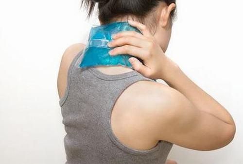 Thế nào là đau nửa đầu vai gáy