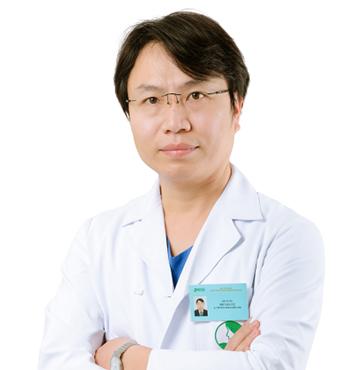 Bác sĩ CKI Phí Văn Tự – Trưởng khoa Điều trị, Bác sĩ Ngoại khoa