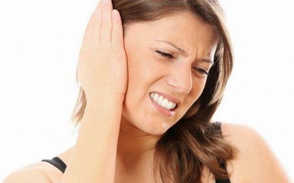 Bệnh viêm tai giữa cấp ở người lớn là gì
