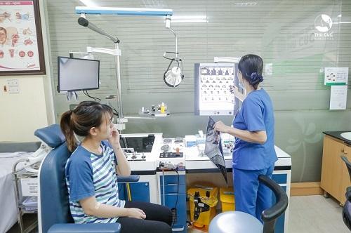 Bệnh viện Thu Cúc có đội ngũ bác sĩ chuyên khoa Tai Mũi Họng giỏi trực tiếp thăm khám