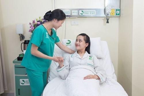 Mức độ cơn đau sau mổ ruột thừa tùy thuộc vào phương pháp phẫu thuật, trình độ của bác sĩ, chất lượng của thiết bị, sự chăm sóc hậu phẫu