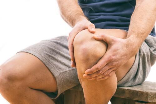 Rách sừng sau sụn chêm trong là một trong những chấn thương dễ gặp ở vùng đầu gối.