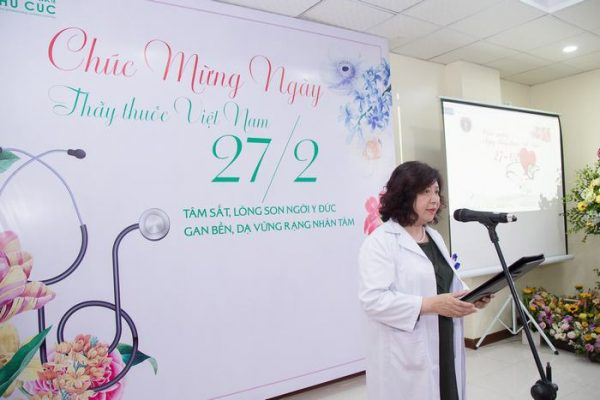 Tiến sĩ, Bác sĩ Nguyễn Phạm Ý Nhi - GĐ bệnh viện phát biểu chia sẻ về ngày 27/2 và những tâm tư của người thầy thuốc