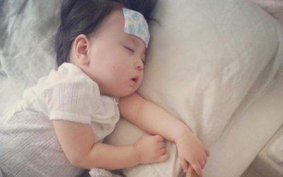 Cách xử trí khi trẻ sơ sinh sốt không rõ nguyên nhân