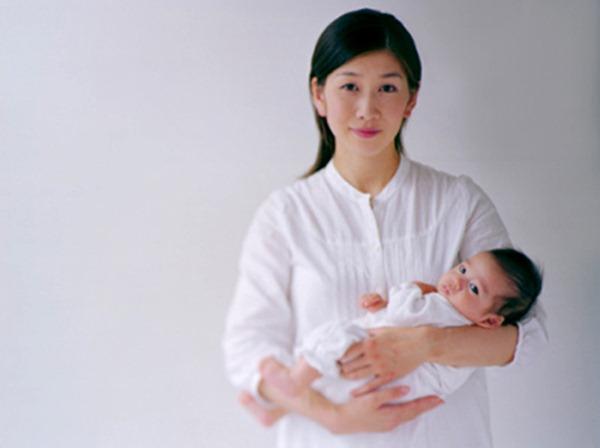 Bé trẻ sơ sinh đúng cách sẽ khiến trẻ cảm thấy dễ chịu
