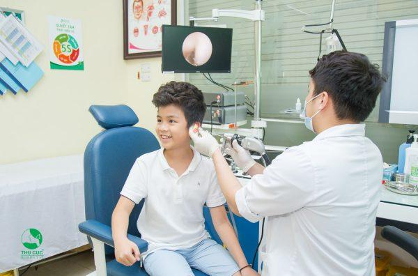 điều trị hiệu quả bệnh viêm tai mũi họng không cho trẻ không cần dùng kháng sinh tại phòng khám tai mũi họng Thu Cúc