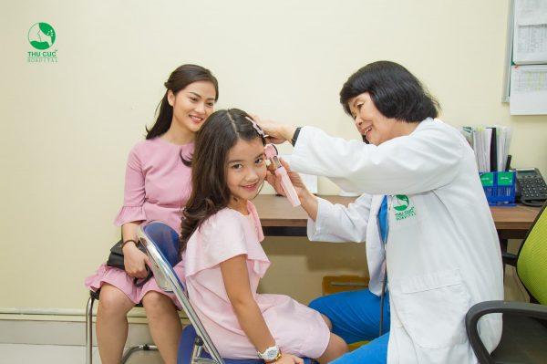 khám tai mũi họng cho trẻ tại Thu Cúc không lạm dụng kháng sinh