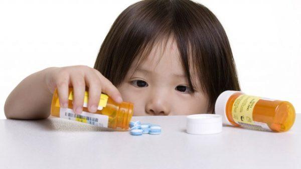 không nên lạm dụng kháng sinh trong điều trị bệnh cho trẻ em
