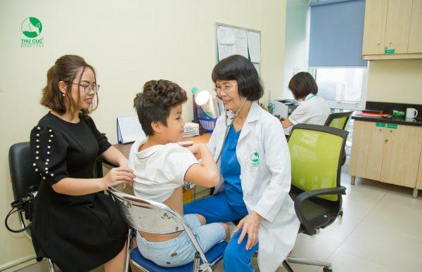 phòng khám Nhi Thu Cúc điều trị hiệu quả các bệnh lý cho trẻ mùa nắng nóng