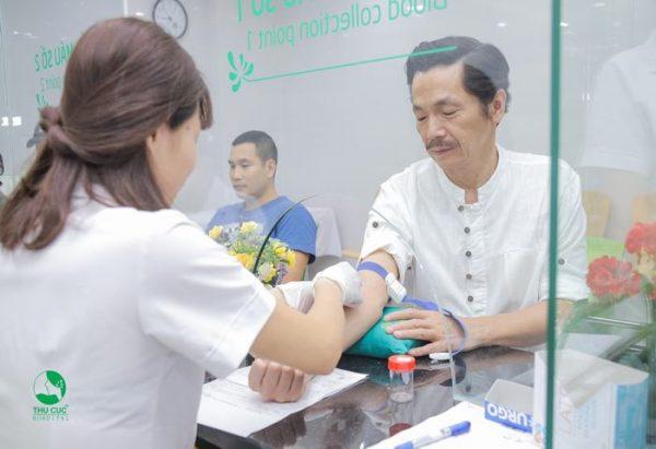 nghệ sĩ trung anh xét nghiệm máu