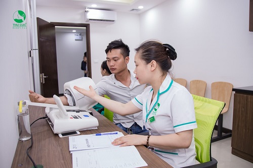 Tại mỗi phòng khám tại Thu Cúc, luôn có nhân viên y tế hỗ trợ, hướng dẫn người bệnh tận tình