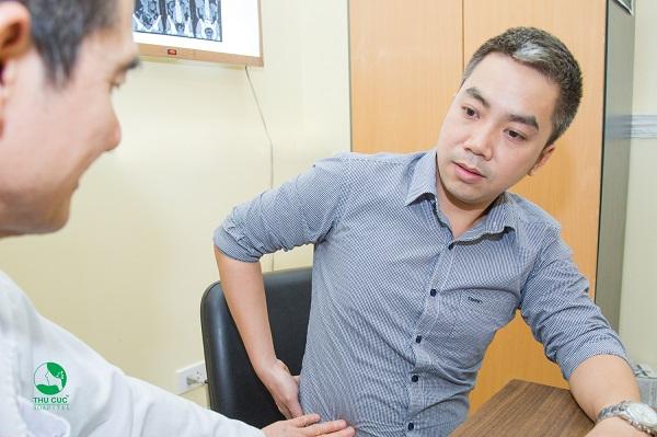 Người mắc bệnh sỏi thận nên thăm khám và theo dõi tình trạng bệnh lý, tránh để lâu ngày gây ra những biến chứng nguy hiểm cho sức khỏe.