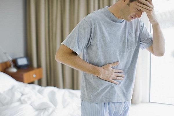 Bệnh sỏi bàng quang sẽ có những triệu chứng: đau bụng dưới, tiểu buốt, tiểu rắt, tiểu ra máu...