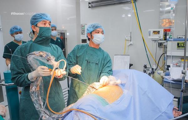 Phương pháp tán sỏi nội soi qua da