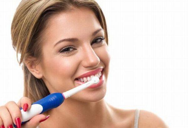 chải răng để phòng tránh hôi miệng