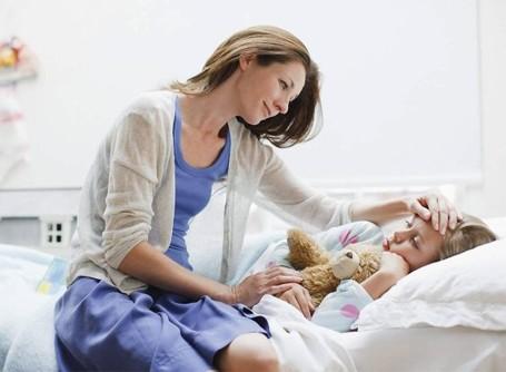 chăm sóc trẻ bị sốt xuất huyết dengue tại nhà