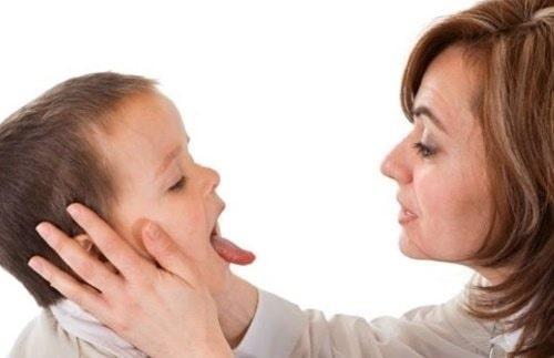 bệnh tay chân miệng ở trẻ em