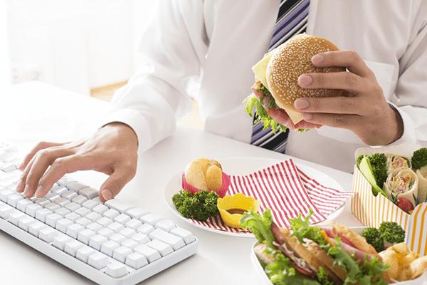 ăn uống thiếu khoa học gây bệnh dạ dày thực quản