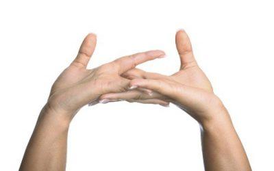 """6 thói quen """"xấu"""" làm gia tăng bệnh cơ xương khớp ở người trẻ tuổi"""