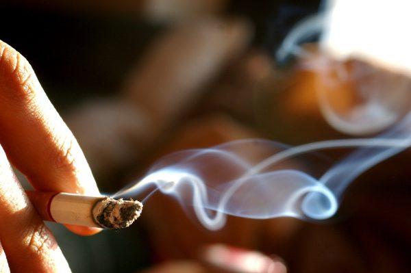 Giải đáp: khói thuốc lá có thể gây ra những bệnh gì? | TCI Hospital