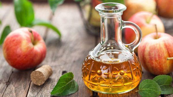 Giấm táo có tác dụng chữa đầy bụng, khó tiêu