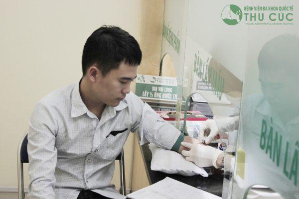 Xét nghiệm máu sẽ giúp phản ánh chỉ số GGT có trong cơ thể bạn.